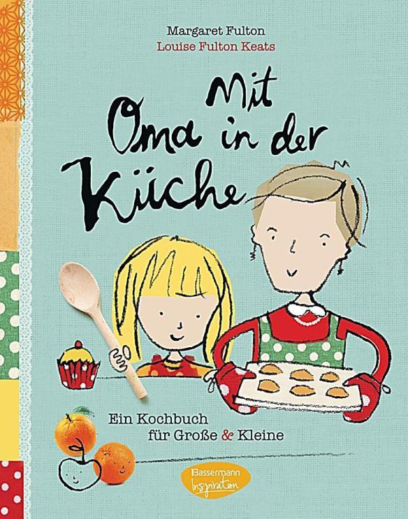 mit-oma-in-der-kueche-155476493
