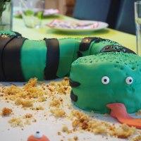 """Motivtorte """"Schlangenkuchen"""": Hit für den Kindergeburtstag!"""